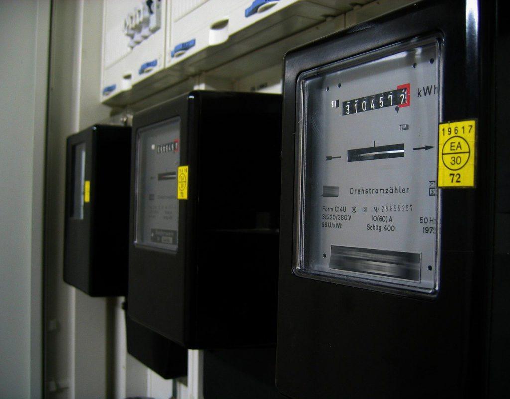 electricity-meter-96863_1280-2