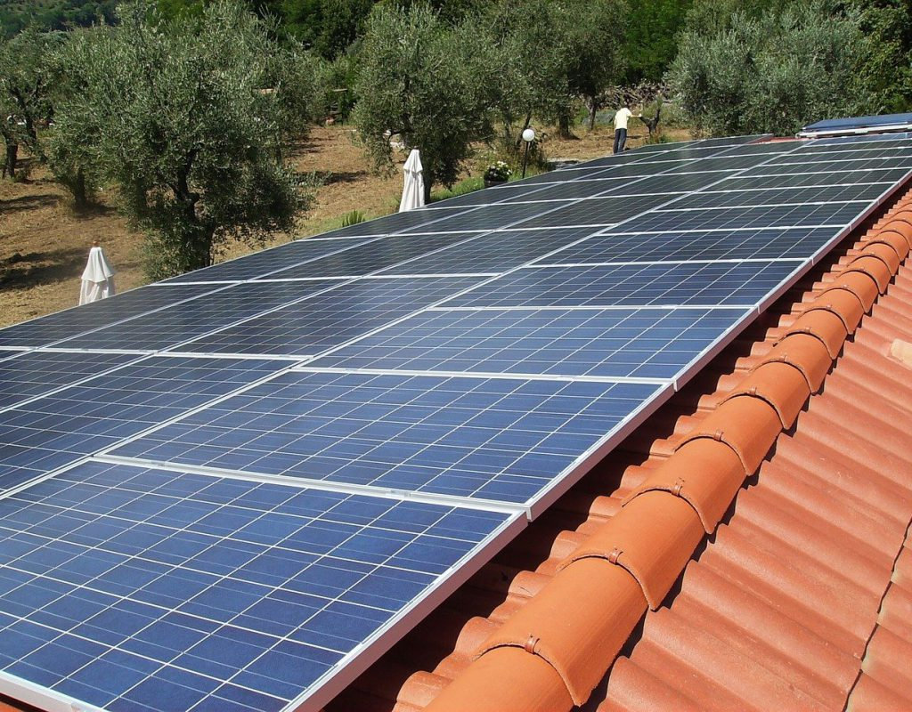 photovoltaic-system-2698109_1280
